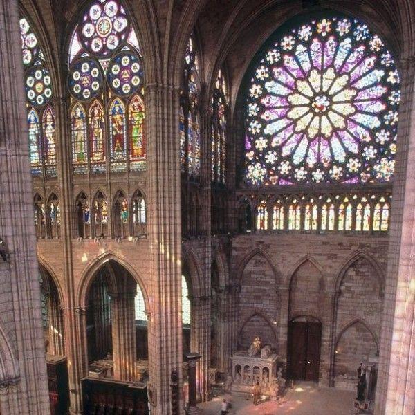 Foyer De L Art Gothique : La célèbre basilique cathédrale de saint denis joyau l