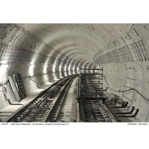 ratp dans le tunnel de la ligne 12 du m tro seine saint denis tourisme. Black Bedroom Furniture Sets. Home Design Ideas