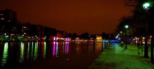 The bassin de la Villette, canal de l'Ourcq