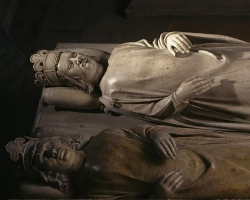 Lying recumbent of Philippe VI of Valois and of John II the Good in the background