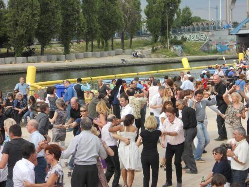 Bal barge à Noisy le Sec en 2011