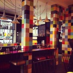 La Petite Salle, restaurant in Paris Flea Market