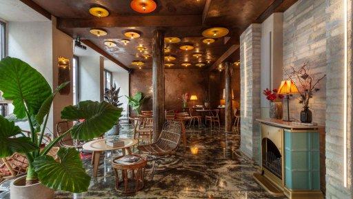 Hôtel La Nouvelle République lobby