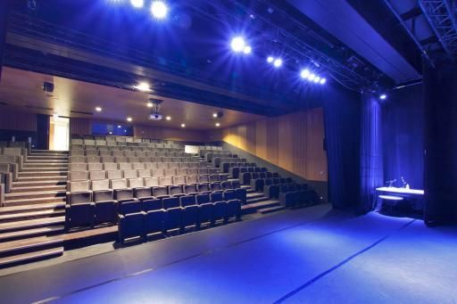 Salle spectacle Halle Pajol 2