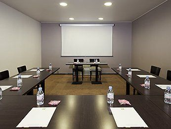 salle de réunion ibis styles villepinte