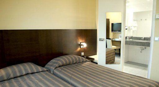 hotel-cardinal-chambre1.jpg