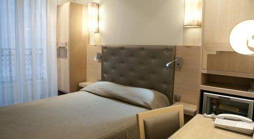 hotel-cardinal-chambre2.jpg
