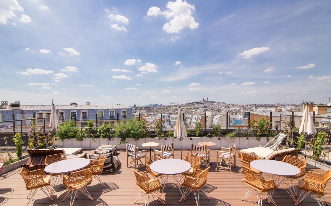 hotels avec balcon terrasse ou restaurant vue sur le grand paris. Black Bedroom Furniture Sets. Home Design Ideas