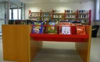 meuble de dépot des livres de bibliothèque