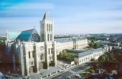 Que voir et visiter saint denis ville royale for Piscine montgeron
