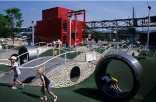 Aire de jeux pour enfants gratuit la villette paris for Parking exterieur paris