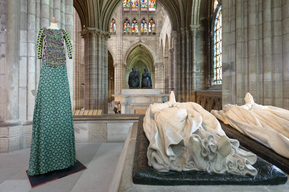 exhibition on grand royal robes basilica saint denis