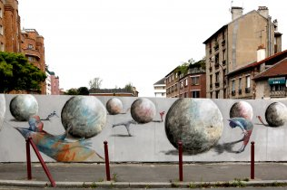 Frescoes of street-art at Pré Saint-Gervais © Denis Tribalat