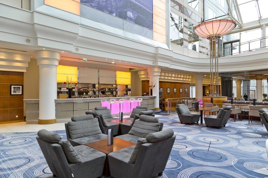 Hôtel Hilton Paris CDG Aéroport - vue du bar