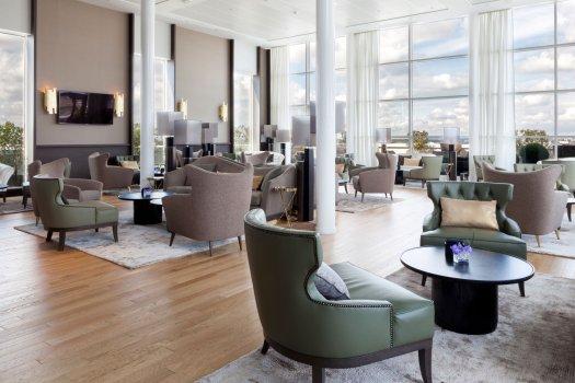 AC Hotel Paris Le Bourget salon vue aéroport