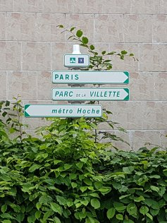 Bike road signs will be seen all along the Ourcq cycling path