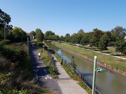 Bicycle path and small section of the Ourcq canal near Sevran