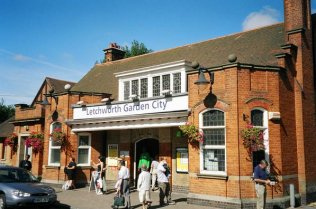 Gare de Letchworth Garden City © Owen Dunn