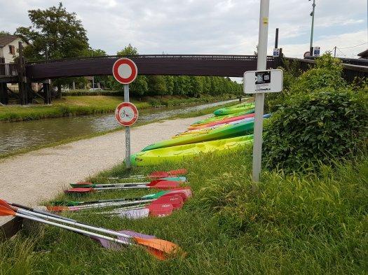Club de Canoe le long du canal de l'Ourcq à Sevran