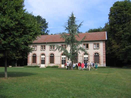Le pavillon Mouroir dans le parc forestier de la Poudrerie