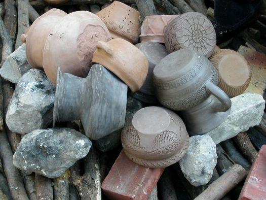 Cuisson de poteries à l'atelier Franciade