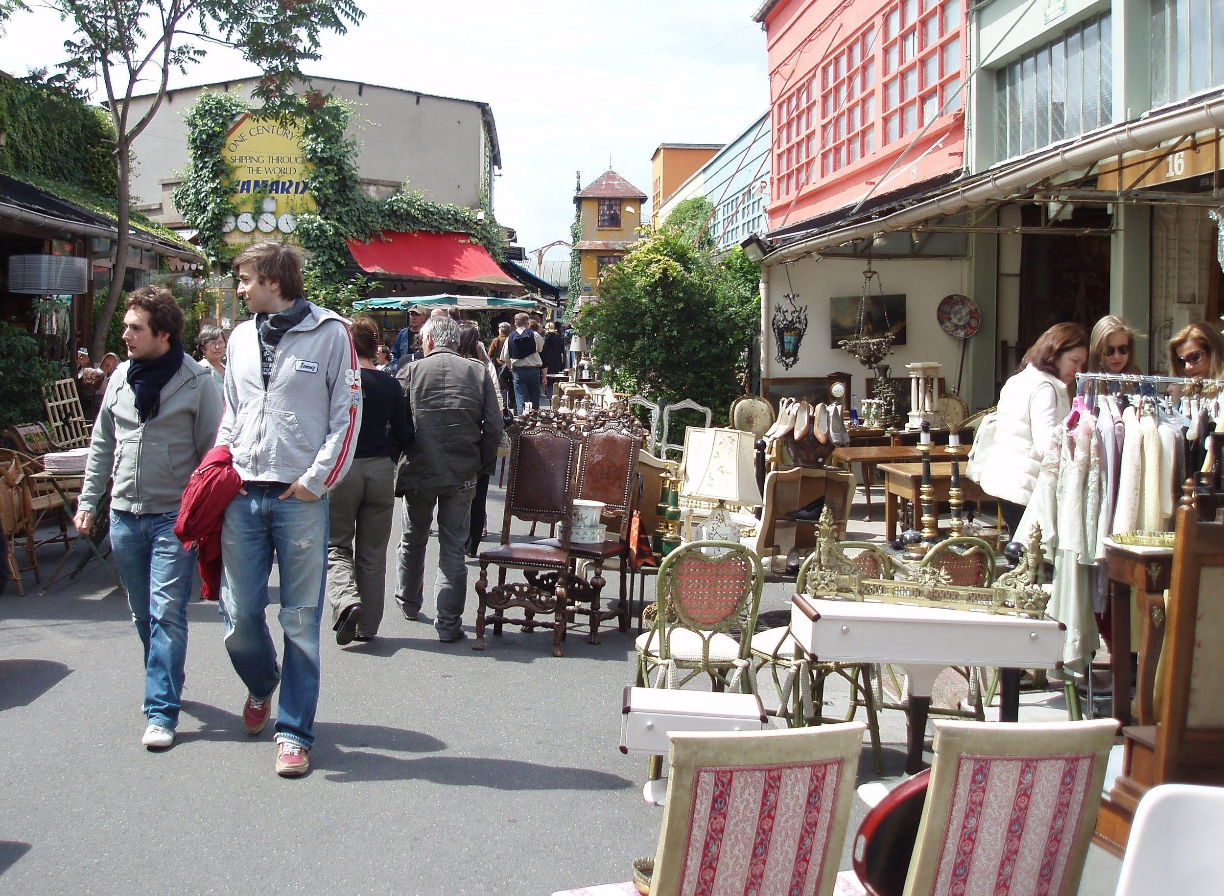 Les nouvelles boutiques tendances du march aux puces de saint ouen - Marche au puce paris vetement ...