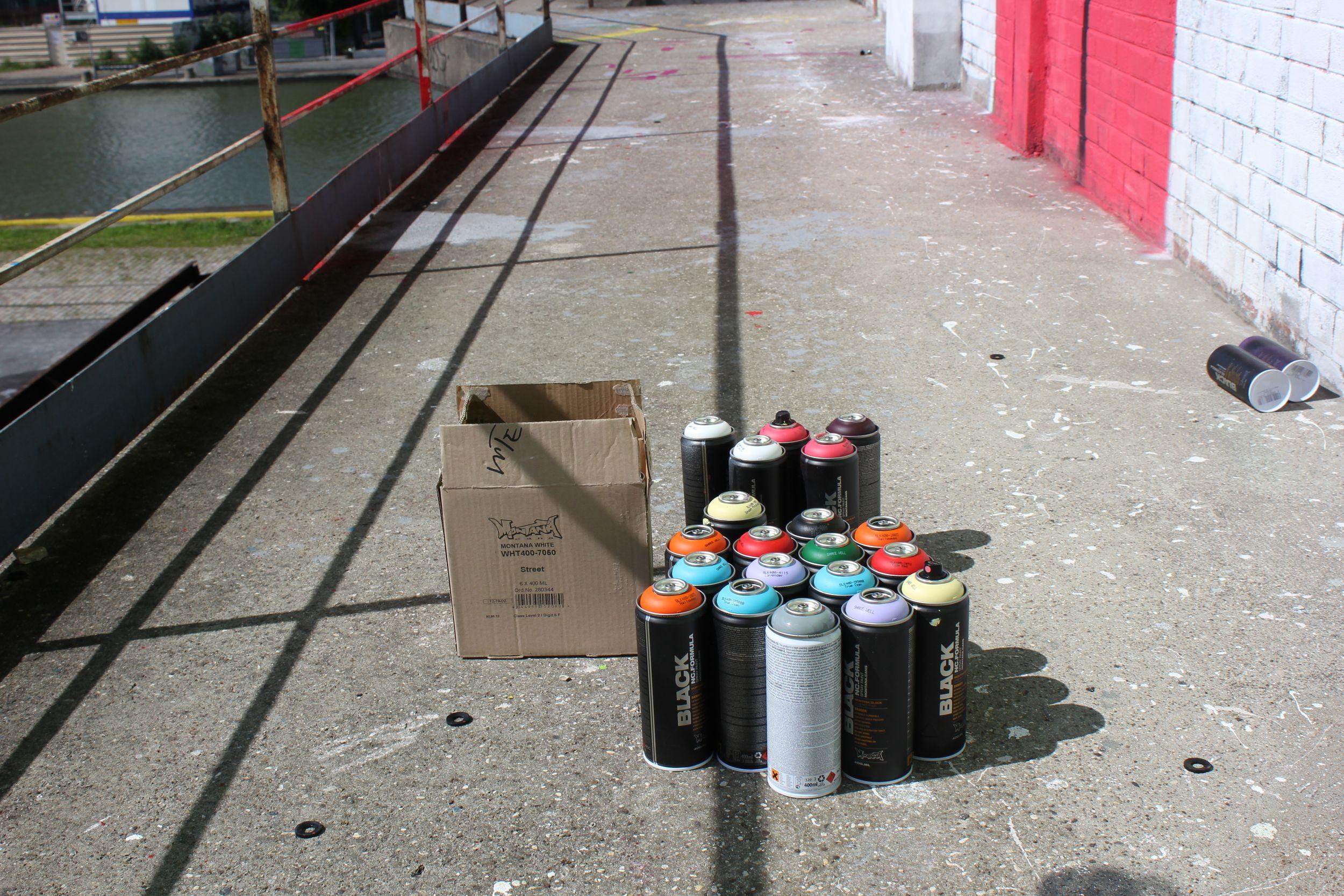 Bombe aérosol street art été du Canal