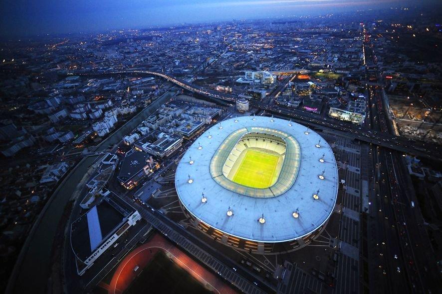 Stade de France vue aérienne de nuit