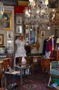 Boutiques Art Deco Aux Puces De Paris Saint Ouen