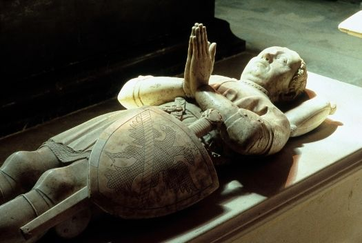 Tombstone of Bertrand du Guesclin, constable of Charles V. © Patrick Cadet - Centre des monuments nationaux.