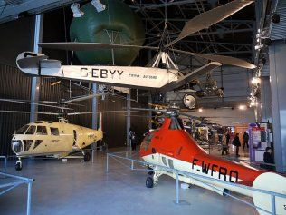 Helicopters exhibited in the Air and Space Museum