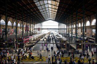 Gare du Nord arrival departure hall