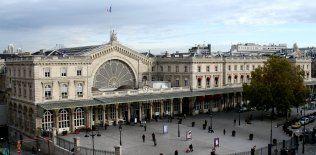 Paris est train station