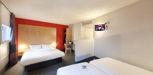 B b hotel paris saint denis pleyel for Chambre bb paris