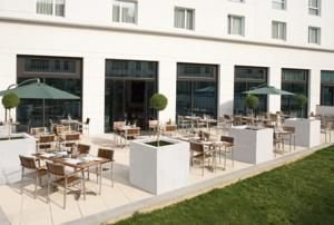 Hôtel Courtyard by Marriott Paris Saint-Denis terrasse