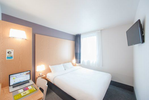 H tel b b paris porte des lilas for Super hotel paris