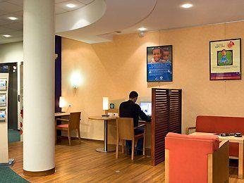 Hôtel Ibis Paris Porte de Clichy Centre - salon