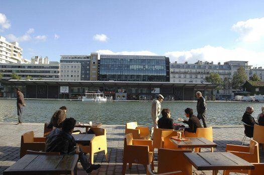 café devant cinéma MK2 quai de Loire