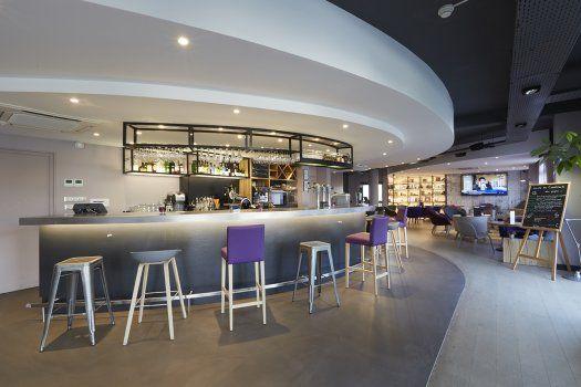 Hôtel Blanc Mesnil Kyriad - bar lounge