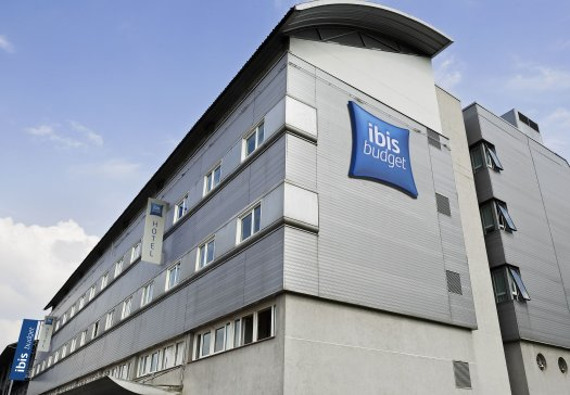 Ibis budget paris porte de pantin pr s du rer et paris for Super hotel paris
