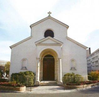Front of Saint-Etienne church