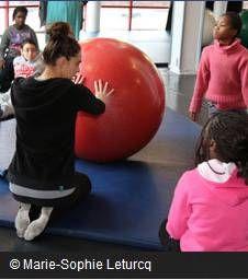 Je découvre le cirque - parent and children's workshop at la Villette