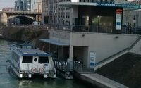 Canal Saint-Denis pier access to le Millénaire