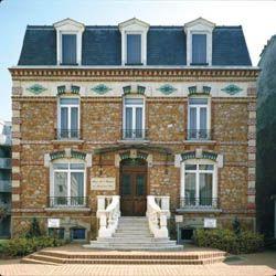 Une maison bourgeoise du xixe si cle rosny sous bois for Interieur 19eme siecle