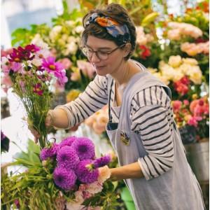 La connaissance des fleurs et l'art du bouquet chez Pompon