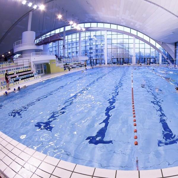 Des coulisses aux bassins le fonctionnement de la piscine for Piscine a saintes